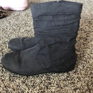 Childrens place gray boots size 1